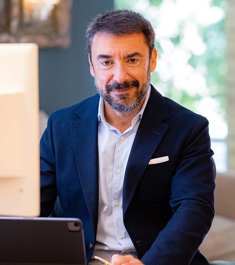 Primer plano del procurador de Barcelona Carlos González